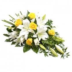 funeral amarillo y blanco