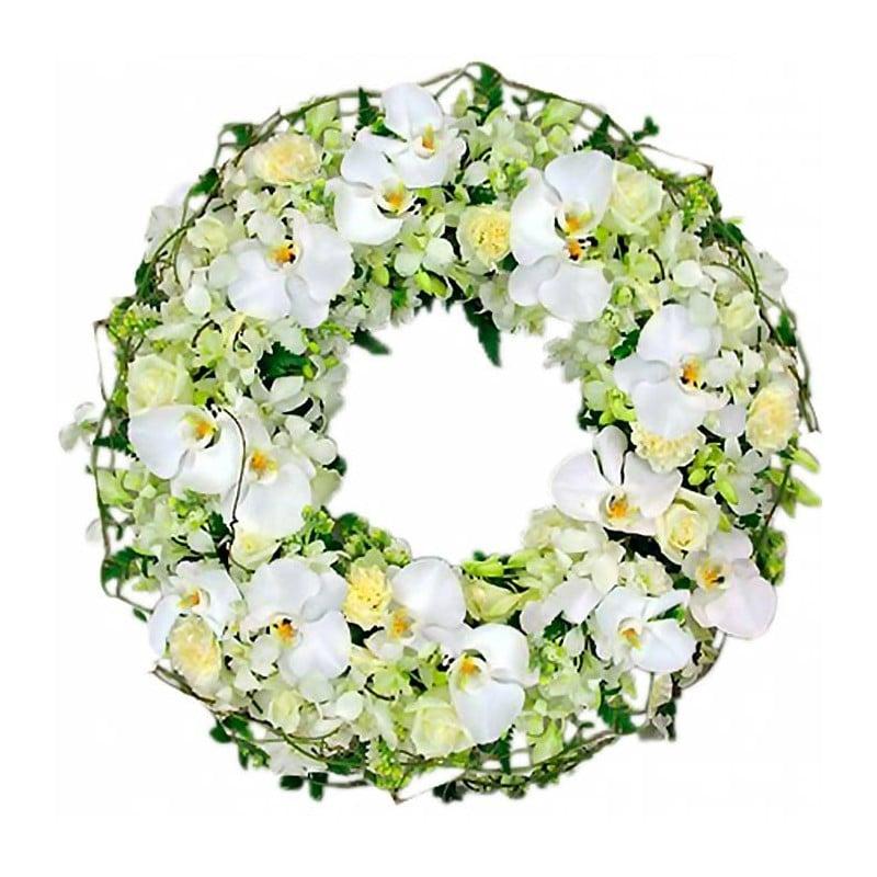 Corona de orquídeas blancas